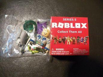 ROCKSTAR Roblox Gold Box Series 1 Toys 3
