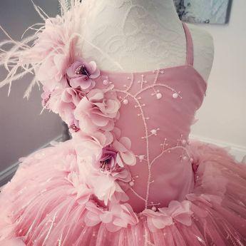 732824a6e #AnnaTriantCouture #details #magicinthedetails #mauve #dustypink  #couturegown #childcouture #childfa