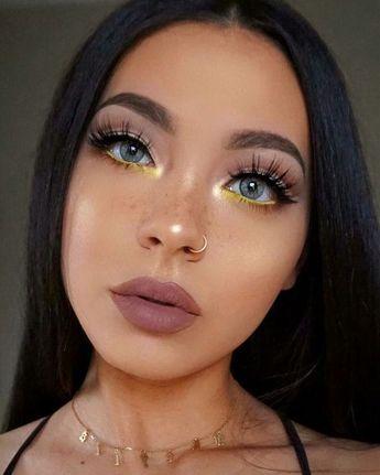 40+ Grey Makeup Look Ideas