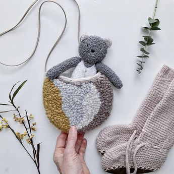 To carry your bear essentials ;)Mini-punched 👛 ..#rughooking #usefulthing #fiberart #punching #yarncraft #itsthelittlethings #kidsaccessories