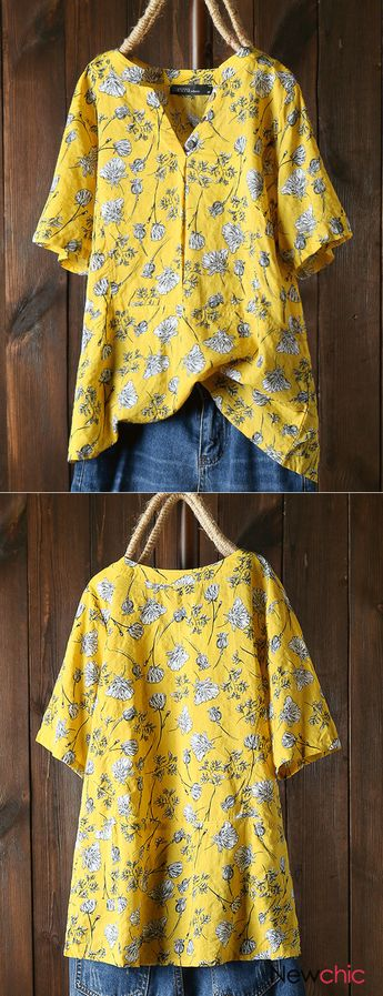 Vintage Print Floral Short Sleeve V Neck Shirt.