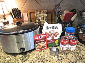 Crockpot Meatballs & Gravy Ingredients: 1 3/4 lb Bag Frozen Original (not Italian style) Meatballs 2 10 1/2 oz Cans Cream of Mushroom Soup 1 oz Package Brown Gravy Mix 1 Beef Bullion Cube 1 Cup Water