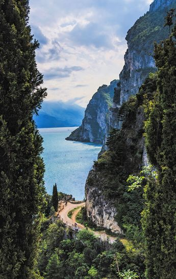 5 Italian Lakes That Will Make Any Trip To Italy Extra Special