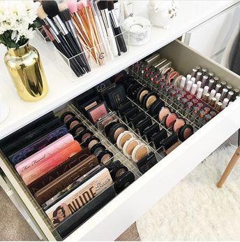 28+ DIY Simple Makeup Room Ideas, Organizer, Storage and Decorating