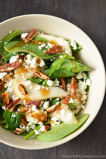 Spinach Salad with Pears, Pecans and Goat Cheese