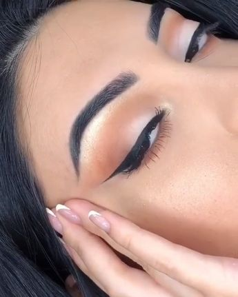 Just click the link to find out more makeup products #makeup #makeupartists