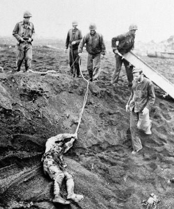 Iwo Jima: A Story Of Death, Glory And Propaganda In Wonderful Photos