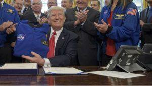 Donald Trump recebe astronautas que foram à Lua