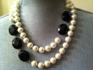 ***Pearls and black, I like this combination