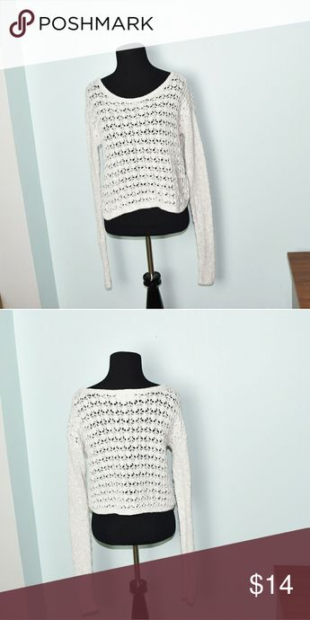 8844bc7f07 Hollister Off White Light Knit Sweater In excellent condition! Very  comfortable