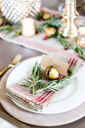 52 Eye Catching Kitchen Table Christmas Decoration Ideas