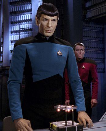 Star Trek OS in TNG uniforms