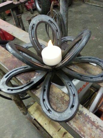 Horseshoe flower candle holder