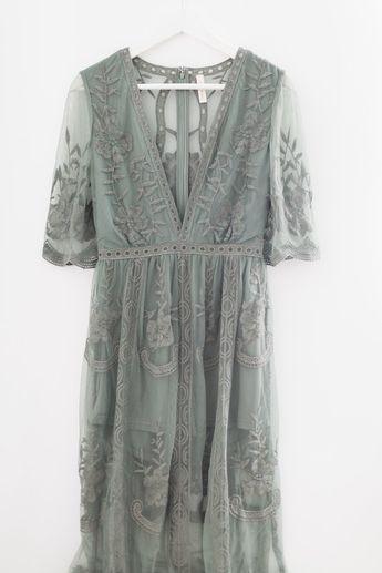 Lace Maxi Dress (more colors)