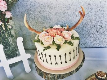 Baby shower cake #antlers #babygirl #babyshower #arrow