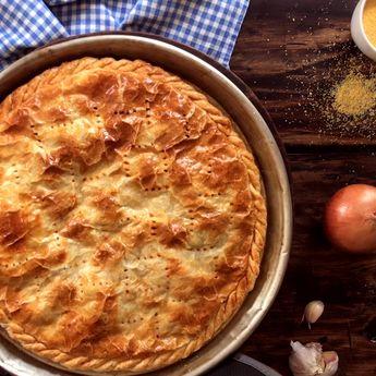 Una tarta de pescado distinta y muy sabrosa, rellena con Filets de Merluza y una salsa de tomate deliciosa!!