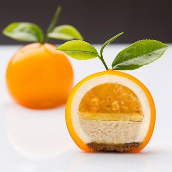 "2,436 Me gusta, 62 comentarios - GD (@gregorydoyen) en Instagram: ""The insider secret of the Ponkan cake. Ponkan and orange  marmelade with chestnut  cream look at…"""