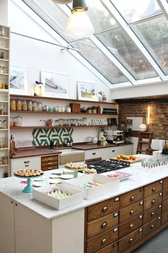 ❤36 Awesome Vintage and Industrial Style in Kitchen Storage Design You Need To Know #vintagekitchen #industrialkitchen #kitchendecor #kitchenideas #kitchen | Glebemines.com