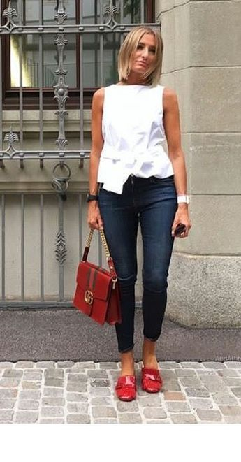 White top, jeans and red details