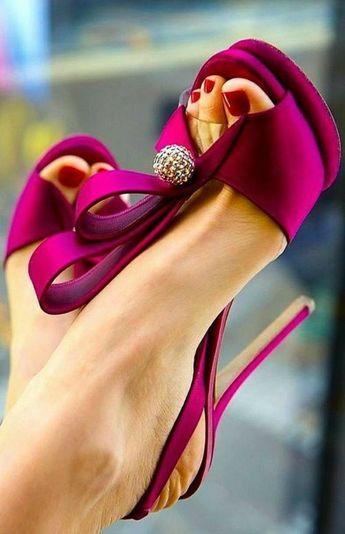 Pretty Raspberry Heels ❤️ #shoes #shoehabit #heels #fashion #shopping #highheelsshoes