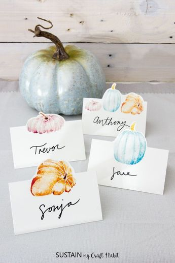 Welcome your guests to the table with a little personal touch with these beautiful watercolor free printable Thanksgiving place cards.