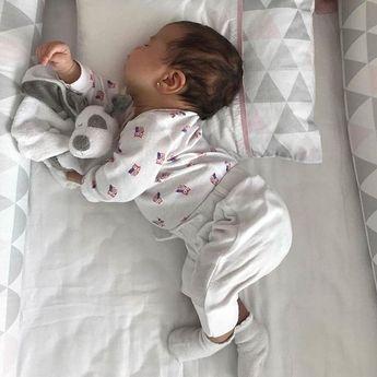 SO CUTE. 😍😘😍via @femalleboom #Baby #Babiesgolas #Cutebaby #Childhood #Adorable #Babygirl #Babyboy #Babylove #Kids #Cutebaby #Beautiful…