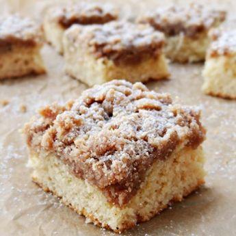 Johnny Iuzzini's crumb cake. Fluffy vanilla cake with crunchy cinnamon crumb topping. Perfection.