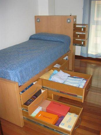 La mayoríade camas ocupan demasiado espacio en nuestro dormitorio, por eso te mostramos una alternativa diferente para optimizar tu espacio de manera práctica con estas hermosas camas, que tienen lacapacidad de ser un escritorio, un mueble o una mesa de comedor , cuando se pliegan.Proporcionan un lugar cómodo para descansar y son ideales para aquellos …