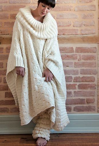 Long Poncho with collar pattern by Rosarios 4