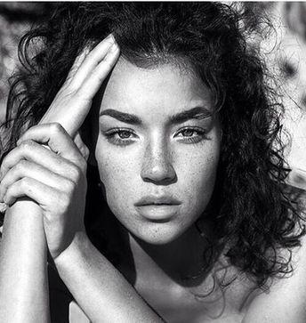 Regardez cette photo Instagram de @ladiesthing • 361 mentions J'aime #portraitphotography