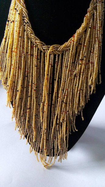 AUF VERKAUF afrikanische Perlen Multistrand Halskette, Beige Perlenkette, Boho Halskette, Frauen Schmuck, Mo  #afrikanische #beige #halskette #multistrand #perlen #perlenkette #verkauf