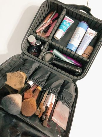 What I Pack In My Travel Makeup Bag