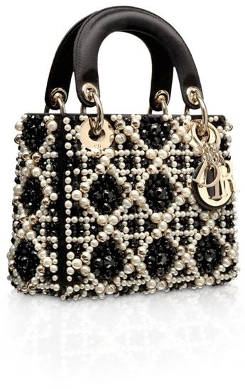 Retrouvez cas sac à motif damier Dior chez leasy luxe // www.leasyluxe.com #fashion #dior #leasyluxe