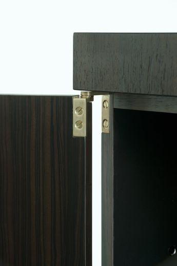 OneToBe - Bespoke furniture | W A B B E S The Jules Wabbes Kitchen - brass inges