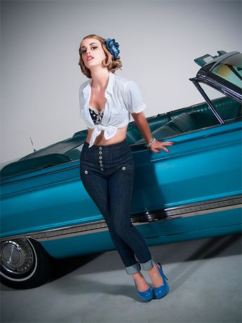 #AnazaoSalon Lauren retro 50's. Hair & Makeup: Leah Brooks, Photography: Brian Pendley