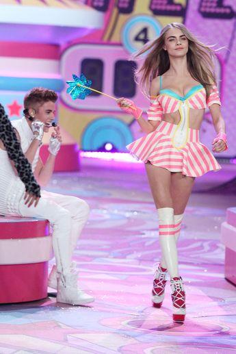 Cara Delevigne + Justin Bieber