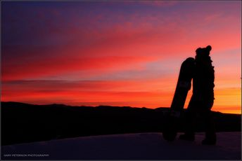 """Dawn of a New Week"" Make the best of the week ahead! #skiing #snowboarding #mthoodskibowl #skibowl #sunrise"