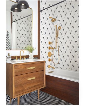 There's Nothing More Satisfying Than the Before and After Photos of This Bathroom