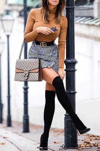 Love the pose! #fallfashion #fallstyle #fashiontrends #fashionblogger @mizzcrissi