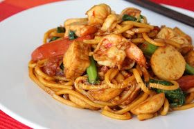 My Kitchen Snippets: Spicy Fried Noodles/Mee Goreng