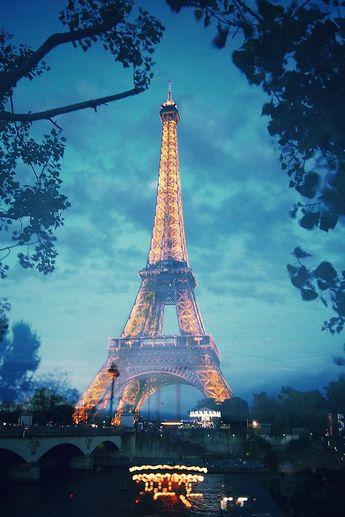 Paris by (yeeship)