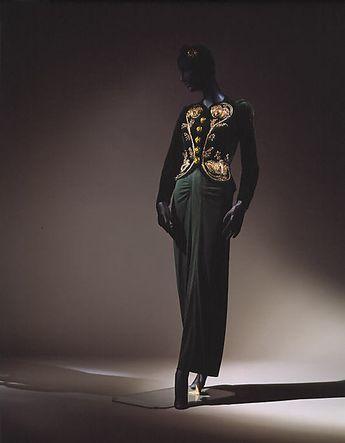 Schiaparelli hats - photo by Cecil Beaton. #vintage #hats