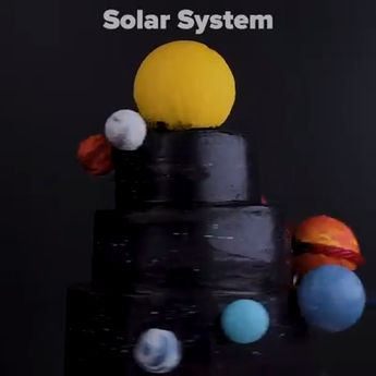 Edu-cake yourself with these 7 cool science cakes! 🌎🌋🔬🌌