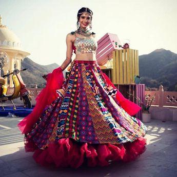 dd640966d76c50 Absolutely love that lehenga on bride @akankshagautam91 Shot by @ankit5ingh  MUA @the_makeup_mafia_ Planned