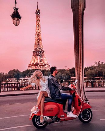 Exploring the City of Lights at sunset 💕 🇫🇷✨💫 :::::