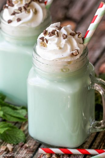 Happy Holidays: Mint and White Chocolate Hot Cocoa