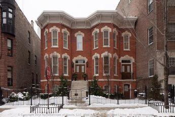 43 E Division St, Chicago, IL 60610