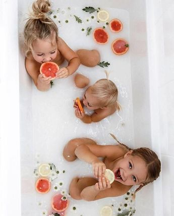 everyone in the bath... stat