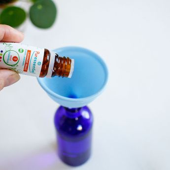 Facile à préparer et naturel, un spray préventif contre les poux!