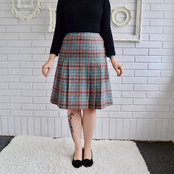 c040c27efe64 Vintage 1970s Dark Teal and Burgundy Plaid Wool Skirt by Young Pendleton Size  XS